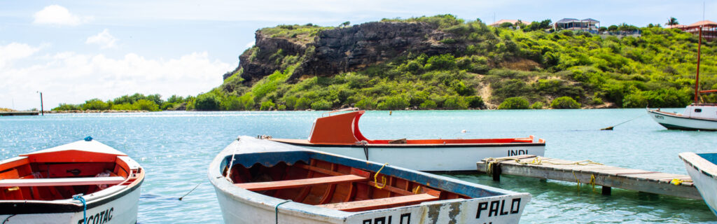 Discover curacao with a rental car